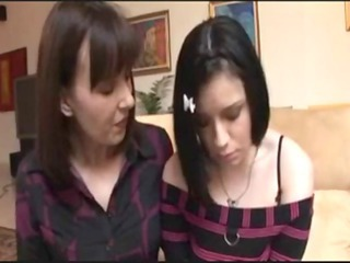 mature babe demonstrates daughter the trammels