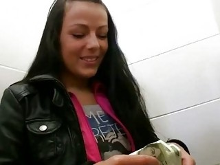 Czech girl Kristyna banged for some cash