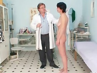 thin woman weird kitty fingering by gyno medic
