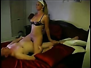 Amateur couple eating, sucking n grinding