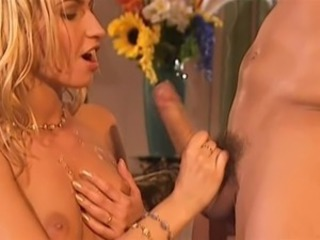 Babe  Cumshot European French Handjob