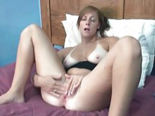 Amateur Masturbating