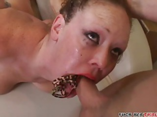 Slutty red lipstick on babe he face fucks tubes