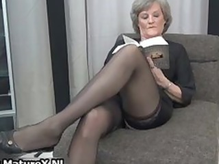 cougar lady in sexy dark pantyhose part5