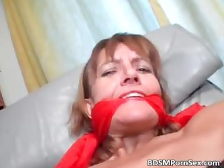 horny and dirty lady spreads her foot part1