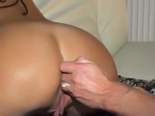 Amateur with both holes fisted