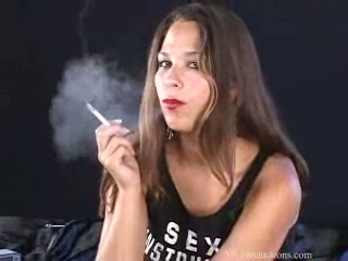 Laura Lee   Smoking Fetish at Dragginladies