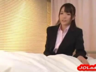 Office Lady Giving Blowjob For Guy On The Bed In The..