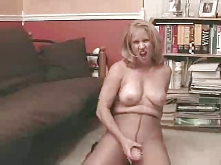 Amateur Masturbating Mature Pantyhose Solo Toy