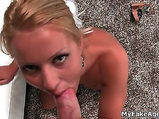 Nasty Blonde Shows Her Awesome Body