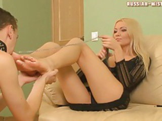Cuckoldress sucks locate as he worships her feet tubes