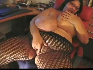 Grosse Titten Brille Dessous Masturbierend Reife  Webcam