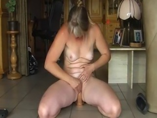 Amateur Dildo Mature Riding