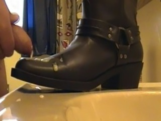 Cum one womens leather boot