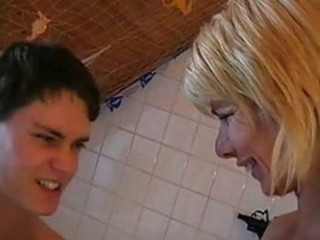 "German Mom Fucks With Her 18y Old Son"" target=""_blank"