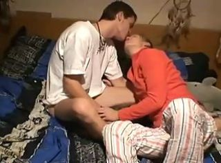 Hot Amateur Couple Makes A Sex Video With A Creampie