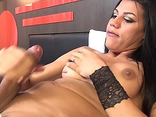 Gorgeous Tranny Jacking Off