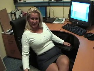Amateur Chubby Mature Office Secretary
