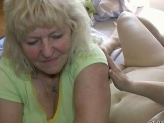 Dirty mature lesbians succeed in horny