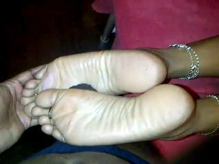 "Pakistani feet"" class=""th-mov"
