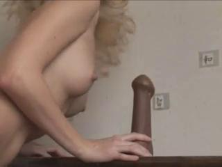 "beautiful young sexy blonde dancing "" class=""th-mov"