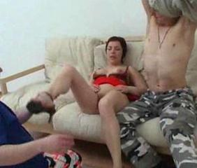 mom ahs hot anal sex with her son and his friend