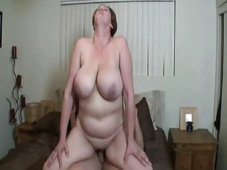 gorgeous bbw cougar with big breast obtaining