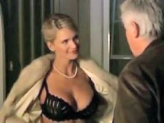 "Natasha Henstridge - Widow On The Hill"" target=""_blank"