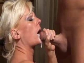 Cumshot Mature Mom Swallow