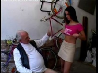 "Teen has no money for bike been repaired by old man"" target=""_blank"