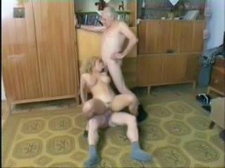 Blowjob Homemade Old and Young Riding Threesome
