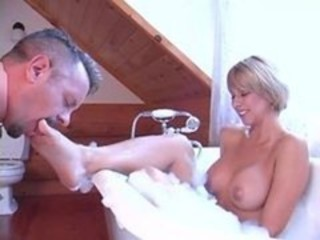 "Brianna beach bathtub foot worship and ass licking"" target=""_blank"