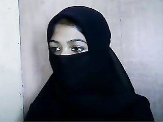 Cute Muslim Girl In Hijab