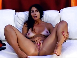 Amazing Masturbating  Natural Pussy  Solo Webcam