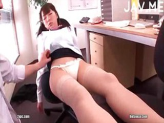 Guy fucking sleeping pussy in office
