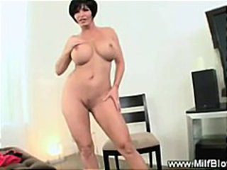 Hungry tattooed milf gives blowjob