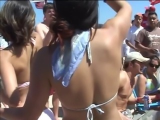 Hot babes flashing out on road