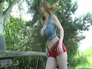 Babe Big Tits Dancing Natural Outdoor