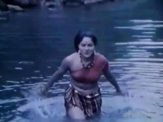 X hot river unpolluted scene from bgrade movie Jungle Ki Hasina