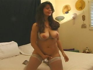 Amateur Masturbating Mature Natural Stockings