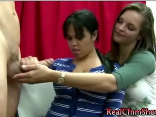 Handjob Teenager Trekant