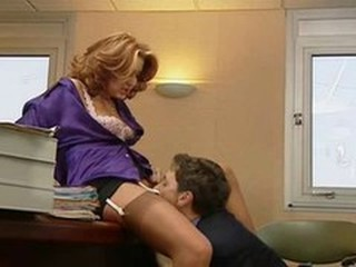 Secretary in stockings takes it both ways