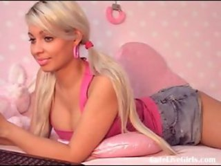 Cute Pigtail Teen Webcam
