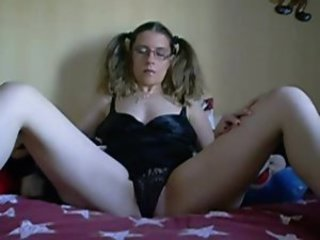 My shaved pussy need cock
