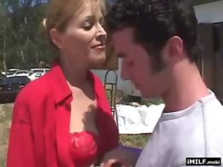 Mature cougar fucked at the street