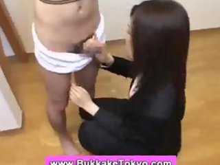 Amateur Asian Handjob Japanese