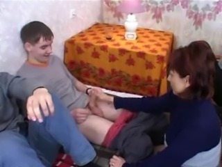 Amateur Handjob Homemade Mature Mom Old and Young Russian