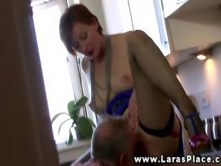 Sexy horny babe getting oral from this very lucky guy