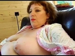 FRENCH Of age n52a anal bbw mom threesome with 2 younger men