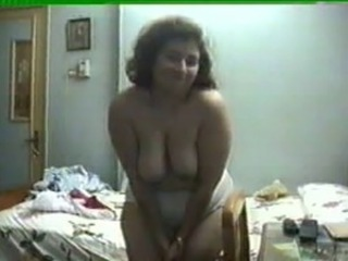EGYPTION BUSTY GIRL MASTURBATING BEYHOND HER